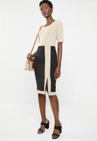 edit - Short sleeve pencil dress - beige & black