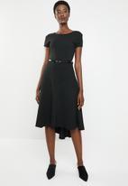 edit - Sleeveless cutline dress - black