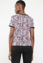 New Look - Snake print T-shirt - black & pink