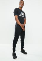New Balance  - Stacked logo short sleeve tee - black