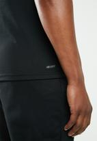 New Balance  - Heather tech short sleeve tee - black