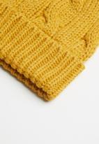 Cotton On - Winter knit beanie - yellow