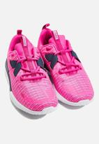 Nike - Renew Arena - laser fuchsia/white-monsoon blue
