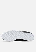 Nike - Classic Cortez Nylon Shoe - black/white