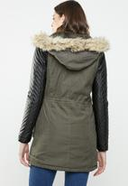 Brave Soul - Parka with quilted sleeve - khaki