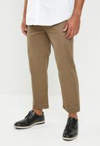 Superbalist - Wide cropped chino - brown