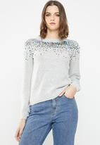 Jacqueline de Yong - Sparkle long sleeve cropped pullover - grey