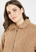 Jacqueline de Yong - Harlow teddy jacket - tan