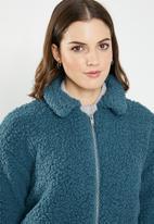 Jacqueline de Yong - Harlow teddy jacket - blue