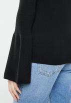 Brave Soul - Bardot jersey with flared sleeve - black