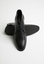 Pringle of Scotland - Brant leather boot - black