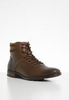 Pringle of Scotland - Barret utitlity boot - tan