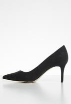 Call It Spring - Faux leather snakeskin court heel - black