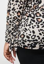 STYLE REPUBLIC PLUS - Sleeve tie top - beige & black