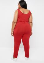 STYLE REPUBLIC PLUS - Sleeveless jumpsuit - red