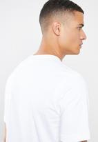 adidas Originals - Essential short sleeve crew tee - white & black