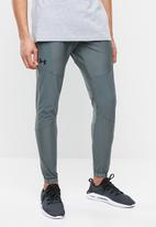 Under Armour - Vanish hybrid pant - grey