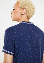 ONLY - Tina short sleeve printed lurex top - blue