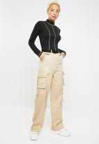Missguided - Contrast stitch neon bodysuit - black