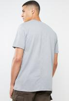 Mennace - Essential signature tee - grey