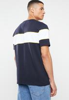 Mennace - Short sleeve script tee - navy
