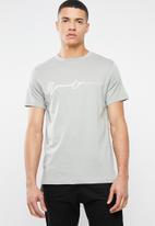 Mennace - Stepped hem puff print signature tee - grey