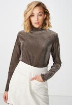 Cotton On - Maeve velvet high neck top  - brown