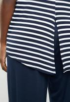 edit - Dipped hemline top - navy & white