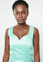 edit - Sleeveless fit and flare dress - green