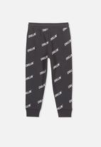 Cotton On - Lewis chillin trackpant - black