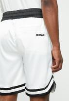 Mennace - Sateen basketball short - white