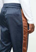 Mennace - Sateen track bottom - navy & brown