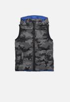 Cotton On - Camo puffer vest - black & grey