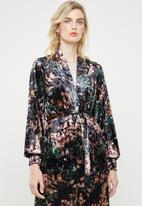 ONLY - Alex printed velvet blazer - black