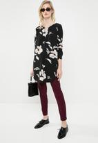 ONLY - Nova lux printed tunic shirt - black