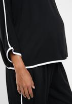 edit Maternity - Contrast binding shell blouse - black