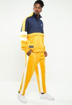 Nike - Nsw Nike Air pant - yellow