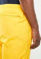 Nike - Hbr pant woven statement - yellow