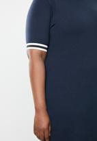 STYLE REPUBLIC PLUS - Athlete T-shirt dress - navy