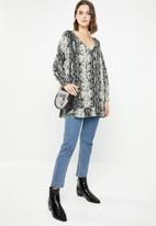 Revenge - Long sleeve snake print tunic - black & beige