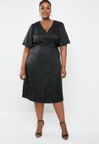 edit Plus - Bell sleeve wrap dress - black