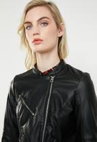 Vero Moda - Nora short leather look jacket - black