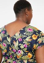 AMANDA LAIRD CHERRY - Plus size mia v neck dress - multi