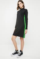 Noisy May - Leah long sleeve sweat dress - black