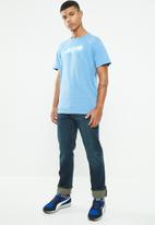 Levi's® - Oversized graphic tee lazy tab - blue