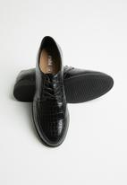 Cotton On - Croc faux skin faux leather stud brogue - black