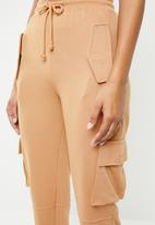 Missguided - Utility pocket cargo trousers - brown