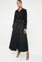 AMANDA LAIRD CHERRY - Khothatso volume sleeve shirt - black