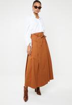 AMANDA LAIRD CHERRY - Sphe pleated wrap skirt - brown