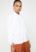 AMANDA LAIRD CHERRY - Khothatso volume sleeve shirt - white